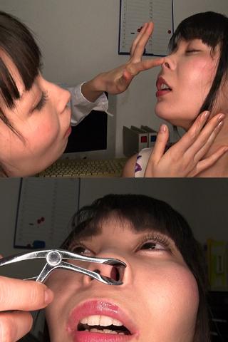 恐怖の診察 強制鼻舐めレズ  由美香&ちひろ