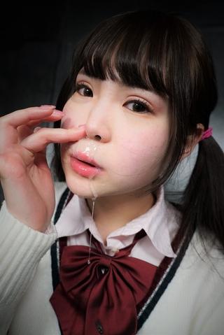 【鼻水主観映像】女子校生ももかちゃんが綿棒ぶっさし鼻水を垂れ流す!!
