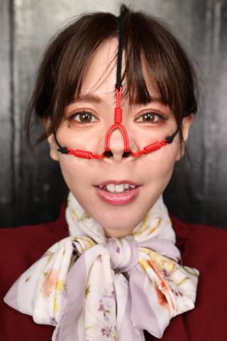 【プライド崩壊?!】美意識過剰な港区女子系の美容部員に3方向鼻フック&パンストで顔面変形!!!!!
