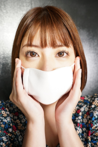 永野つかさの【Best of マスク】はア〇ノマスク?!ガーゼマスクの繊維がケバケバしすぎてクシャミが止まらない・・・